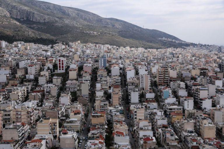 Κοροναϊός : «Φλέγονται» οι γειτονιές της Αττικής | tanea.gr