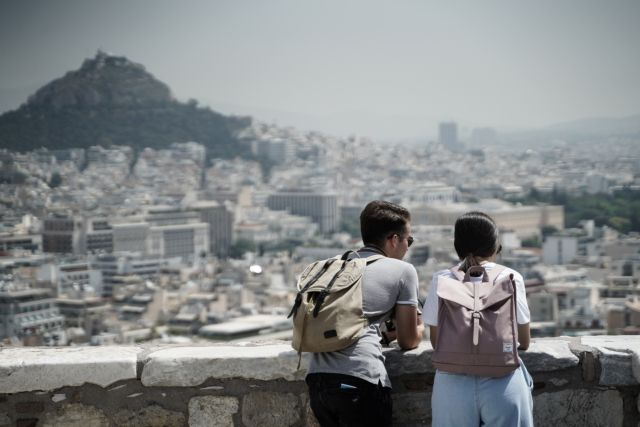 Επιφυλακτικοί σχεδόν οι μισοί Έλληνες για την άρση του lockdown – Τι λένε για self test και εμβολιασμούς | tanea.gr
