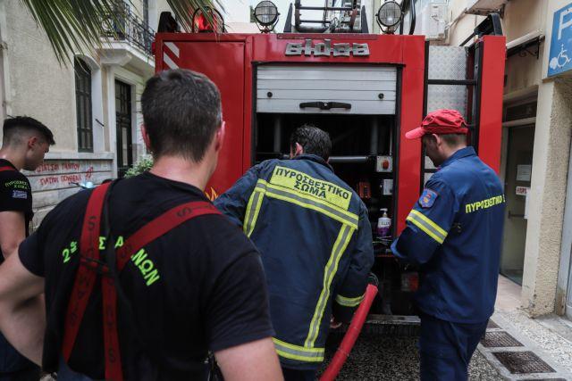 Φωτιά σε κτίριο στο Αλσος Καισαριανής   tanea.gr