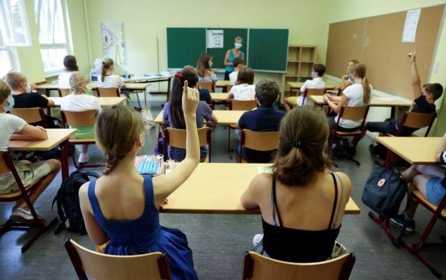 Πρόεδρος ΟΛΜΕ : Με υπεύθυνη δήλωση του γονέα για αρνητικό τεστ θα έρχεται το παιδί στο σχολείο | tanea.gr