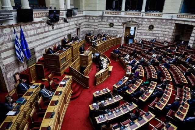 Με τη στήριξη ΣΥΡΙΖΑ και ΚΙΝΑΛ ο κώδικας δικαστικών υπαλλήλων - Διαφωνία για την τροπολογία απονομής συντάξεων | tanea.gr