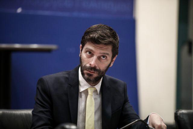 Γιατρομανωλάκης: Αν έκρυβα ότι είμαι γκέι, τι μήνυμα θα έδινα;   tanea.gr