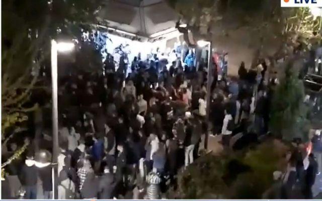 Σύσκεψη στο Μαξίμου για Πάσχα και κορονοπάρτι – Απομακρύνεται το σενάριο για γιορτές στο χωριό | tanea.gr