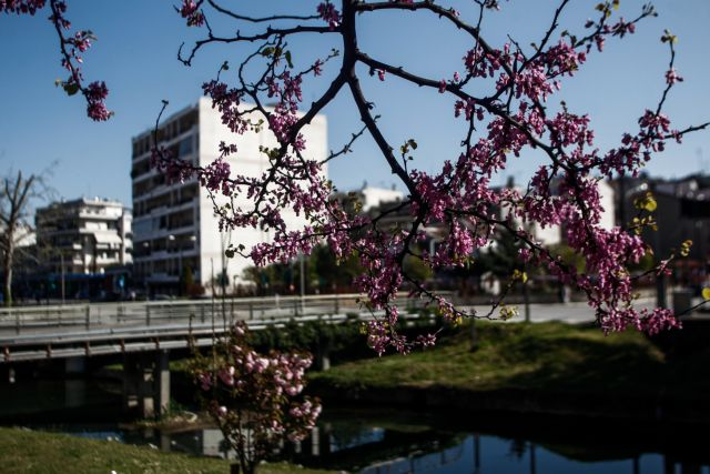 Το φετινό Πάσχα θα θυμίζει καλοκαίρι - Πόσο σκαρφαλώνει ο υδράργυρος | tanea.gr