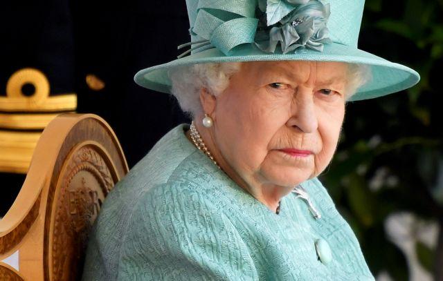 Βρετανία: Η βασίλισσα Ελισάβετ επέστρεψε στα καθήκοντά της   tanea.gr