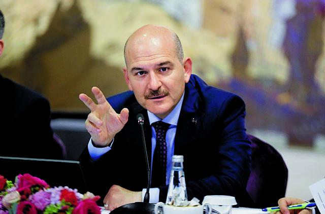 Νέα προπαγάνδα από τον τούρκο ΥΠΕΣ : «Η Ελλάδα επιχειρεί να κάψει ανθρώπους» | tanea.gr
