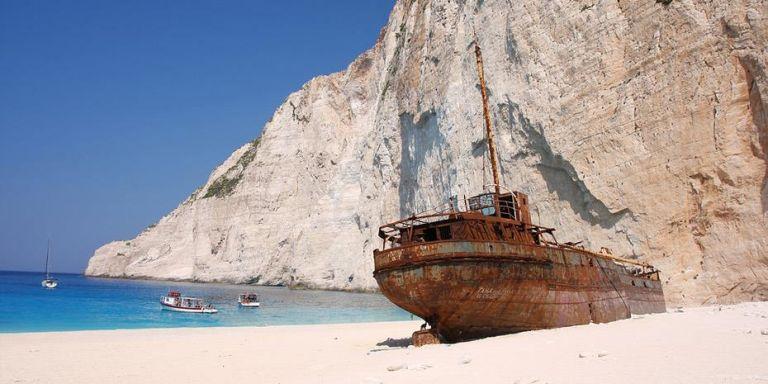 Η Daily Telegraph προτείνει 15 ελληνικά νησιά για τις φετινές καλοκαιρινές διακοπές | tanea.gr