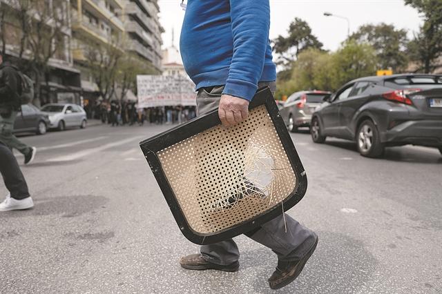Πολιτική συμμαχία με την πανδημία | tanea.gr