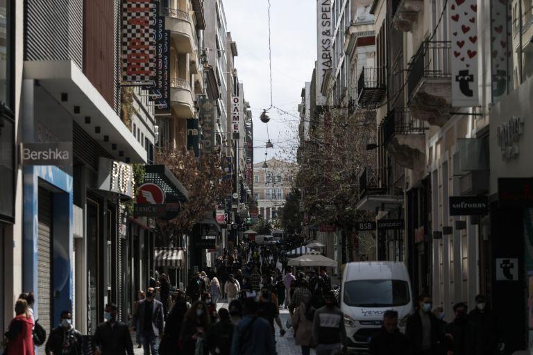 Τι αλλάζει στο ανώτατο όριο πελατών στα καταστήματα | tanea.gr