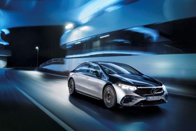 Αποκαλύφθηκε η νέα, ηλεκτρική λιμουζίνα Mercedes-Benz EQS που θυμίζει ένα κινητό παλάτι υψηλής τεχνολογίας | tanea.gr