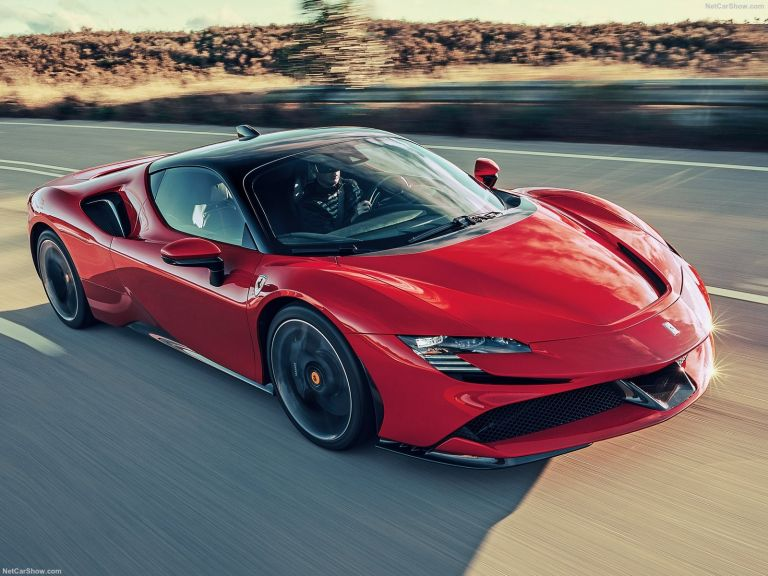 Ferrari: Πρεμιέρα με αμιγώς ηλεκτρικό το 2025 | tanea.gr