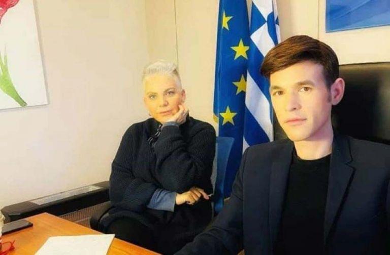 Η Νανά Παλαιτσάκη «εγκαταλείπει» τον Μένιο Φουρθιώτη   tanea.gr