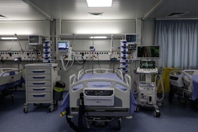Κάτω από 3.000 τα νέα κρούσματα - Στους 63 οι θάνατοι | tanea.gr