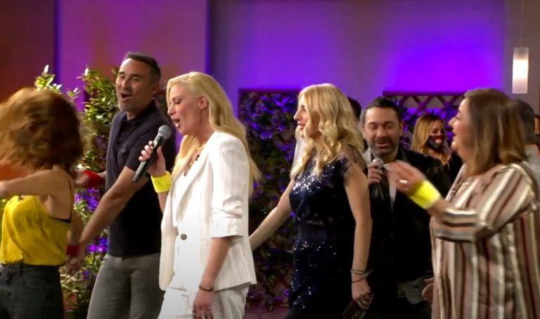 «Celebrity Game Night» : Η θρυλική παρέα του «Παρά Πέντε» ενώνεται ξανά – Απόψε στις 21:00 στο MEGA   tanea.gr