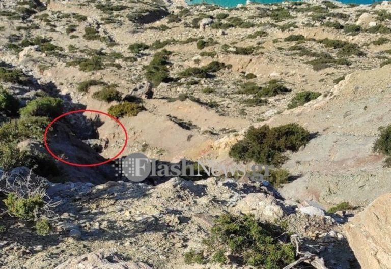 Λεπτομέρεια σοκ για την τραγωδία στην Γαύδο – Λύθηκε το χειρόφρενο και έπεσαν στον γκρεμό | tanea.gr