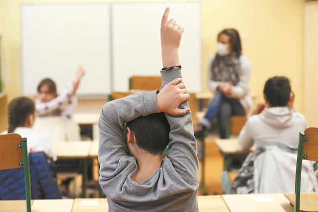 Θετικοί στον κοροναϊό 35 μαθητές και καθηγητές - Διαπιστώθηκε από τα self test | tanea.gr