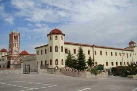 Συναγερμός από κρούσματα σε μοναστήρι στη Λαμία: Διασωληνώθηκε η ηγουμένη | tanea.gr