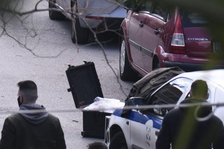 Γιώργος Καραϊβάζ : Πού στρέφονται οι έρευνες της αστυνομίας - Το συμβόλαιο θανάτου και τα «ενοχλητικά» ρεπορτάζ | tanea.gr