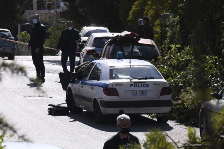 Γιώργος Καραϊβάζ : Ανθρωποκυνηγητό για τη σύλληψη των δολοφόνων – Τα λάθη τους και τα στοιχεία που μπορεί να αποκαλύψουν την ταυτότητά τους   tanea.gr