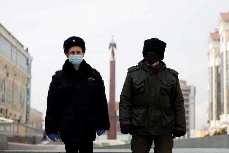 Ρωσία : Μόλις το 4% έχει ανοσοποιηθεί - Με... «greek statistics» ο υπολογισμός των θυμάτων του κοροναϊού | tanea.gr