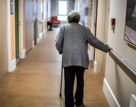 Γηροκομείο στα Χανιά: «Είδα να πεθαίνουν, τους χτυπούσαν» καταγγέλλει πρώην εργαζόμενος | tanea.gr