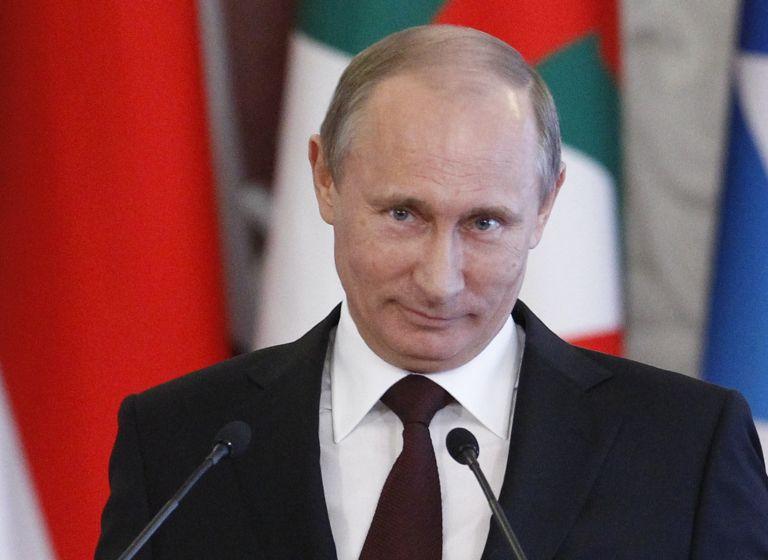 Διάγγελμα Πούτιν με δώρα για τους Ρώσους και μηνύματα προς Ναβάλνι και Δύση | tanea.gr