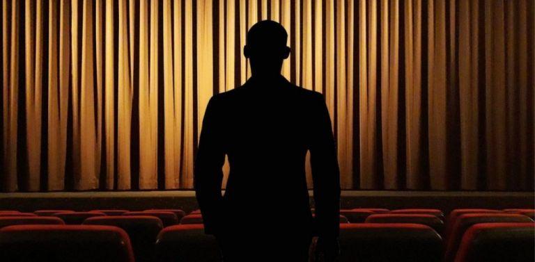 Σωρεία καταγγελιών κατά σκηνοθέτη – ηθοποιού και σεναριογράφου | tanea.gr