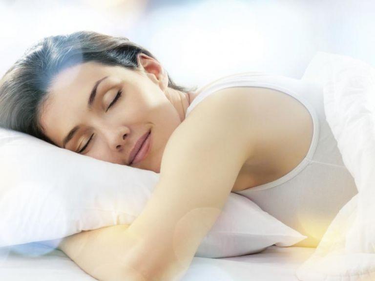 Ποια συνήθεια κατά τη διάρκεια του ύπνου αυξάνει τον κίνδυνο εμφράγματος | tanea.gr