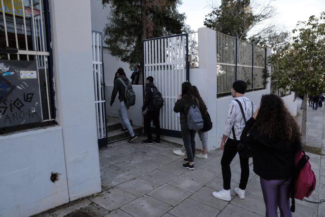 Τα self – tests έδειξαν 2.000 κρούσματα σε μαθητές και εκπαιδευτικούς | tanea.gr