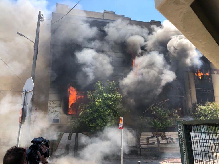 Την κατεδάφιση του κτιρίου της Ομηρίδου Σκυλίτση που πήρε φωτιά ζητά ο Μώραλης | tanea.gr