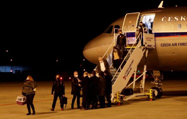 Τσεχία : Ζητά από ΕΕ και ΝΑΤΟ να απελάσουν Ρώσους διπλωμάτες | tanea.gr