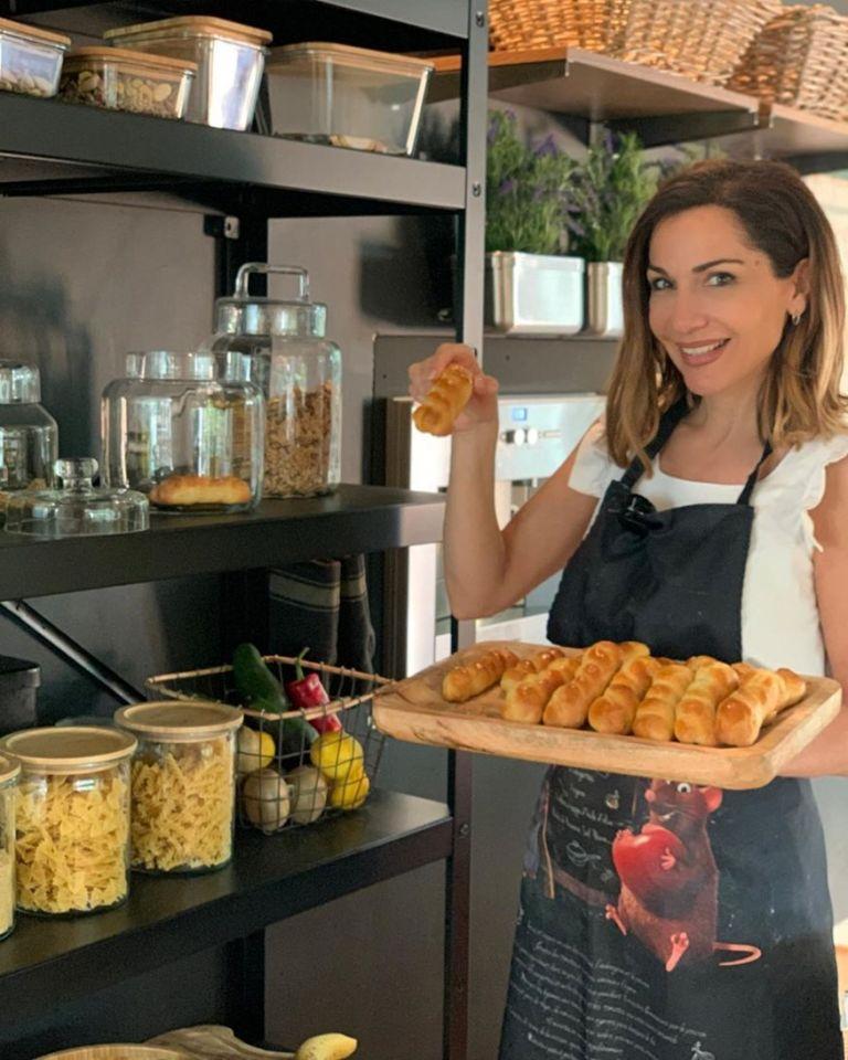 Η συνταγή της Δέσποινας Βανδή για εύκολα πασχαλινά κουλουράκια | tanea.gr