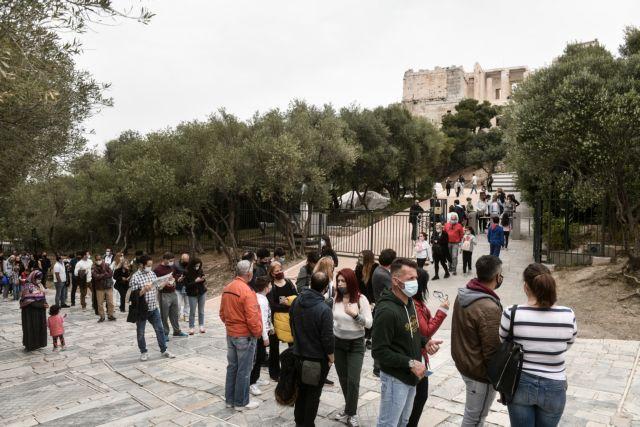 Κακός χαμός στην Ακρόπολη λόγω δωρεάν εισόδου | tanea.gr