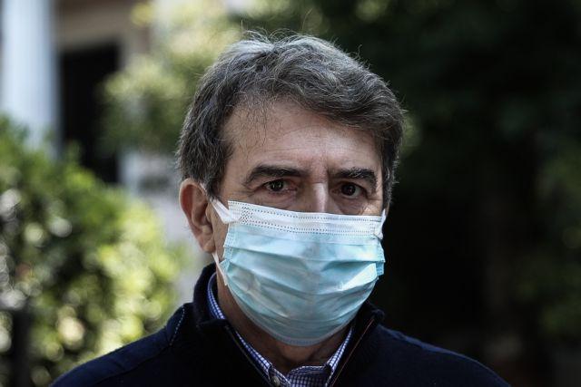 Χρυσοχοΐδης σε Τσίπρα: Ανίερο να σκυλεύεις πολιτική σε φρέσκο αίμα δημοσιογράφου | tanea.gr