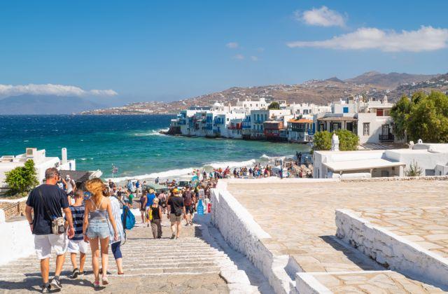 Sun: Τα ελληνικά νησιά δεν θα μπουν αμέσως στη βρετανική πράσινη λίστα | tanea.gr