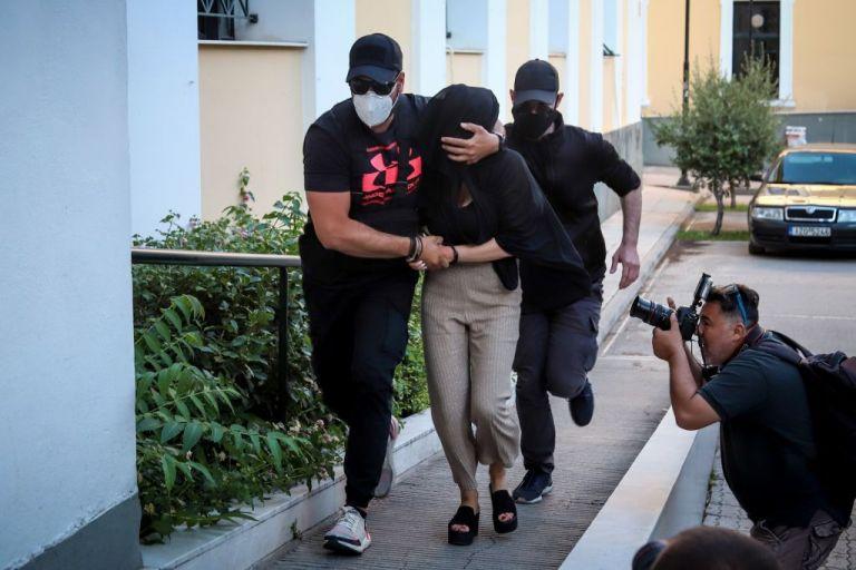 Επίθεση με βιτριόλι: Για απόπειρα ανθρωποκτονίας θα δικαστεί η 36χρονη | tanea.gr