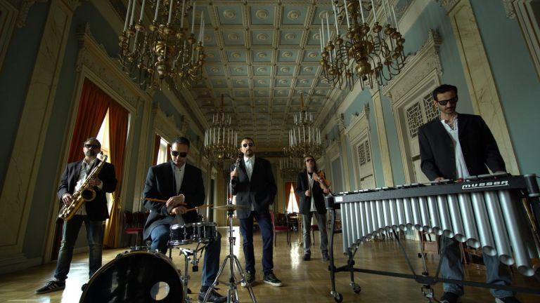 «éαρ fέστιβαλ»: Σύγχρονη μουσική στο Δημοτικό Θέατρο Πειραιά   tanea.gr