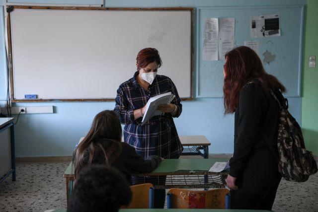 Επαναλειτουργία σχολείων: 3.000 τα θετικά self test   tanea.gr