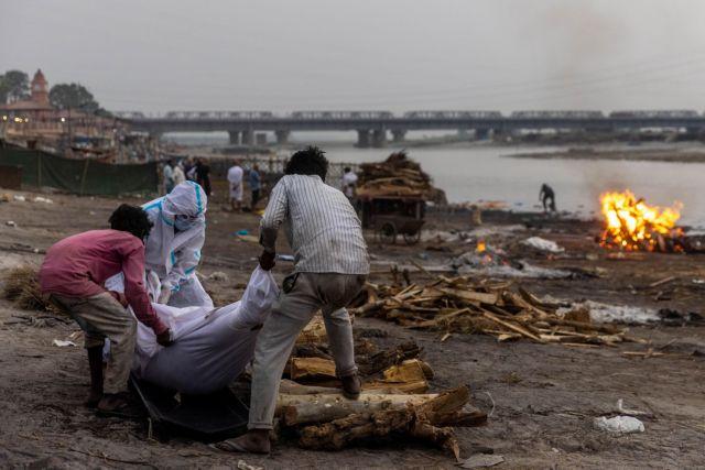 Ινδία: Σαρώνει τη χώρα ο κοροναϊός – Απεγνωσμένες εκκλήσεις για παροχή βοήθειας σε παιδιά   tanea.gr