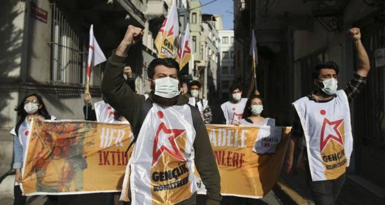 Τουρκία-Πρωτομαγιά: Απαγόρευση κινητοποιήσεων και βίαιες συλλήψεις πολιτών στην πλατεία Ταξίμ, όπως κάθε χρόνο | tanea.gr