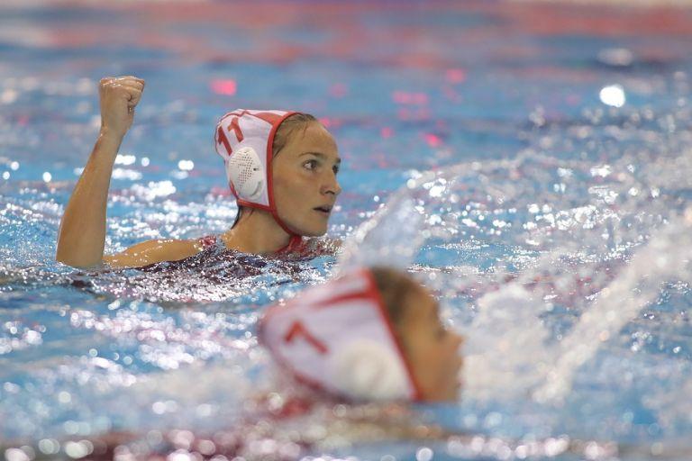 Θρυλικό τρεμπλ – Τα κορίτσια του Ολυμπιακού γράφουν ιστορία (7-4) | tanea.gr