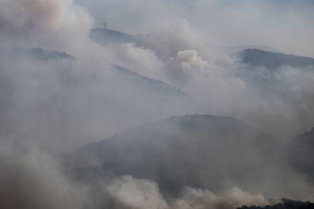 Φωτιά στην Κορινθία: Εφιλατικές προβλέψεις – Αναμένεται περαιτέρω ενίσχυση των ανέμων | tanea.gr