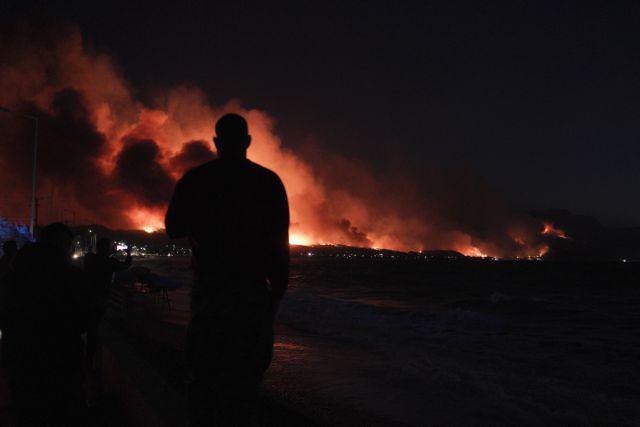 Το ΜΕGA στο Αλεποχώρι: Η φωτιά έφτασε 500 μέτρα από τη θάλασσα, λέει ο αντιδήμαρχος Μεγαρέων   tanea.gr