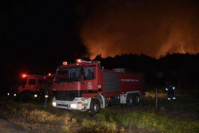 Μεγάλη φωτιά στον Σχίνο Κορινθίας – Εκκενώνονται οικισμοί | tanea.gr