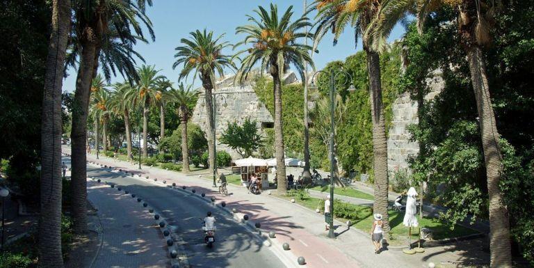 Έφτασαν οι πρώτοι τουρίστες στην Κω   tanea.gr