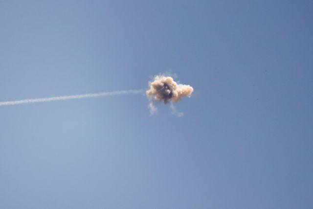 Ισραήλ: Πολίτες τρέχουν πανικόβλητοι μετά από έκρηξη ρουκέτας | tanea.gr