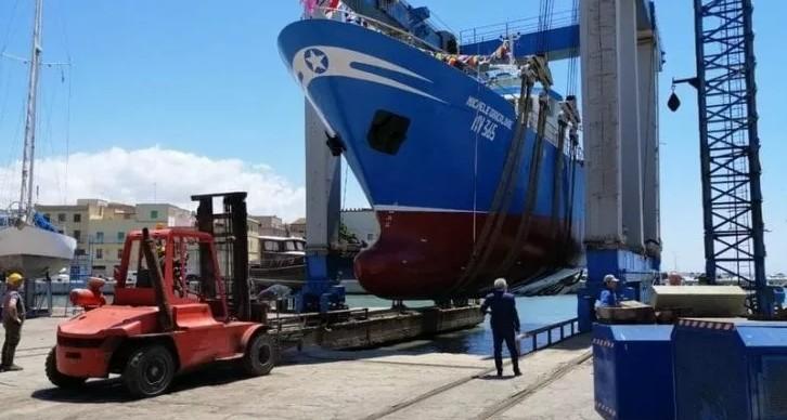 Ιταλικό αλιευτικό εμβολίστηκε από δέκα τουρκικά στα ανοιχτά της Κύπρου | tanea.gr