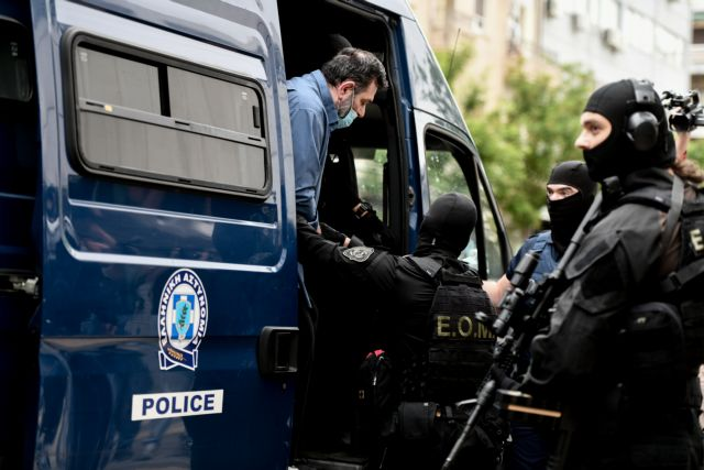 Γιάννης Λαγός: Οδηγείται στις φυλακές Δομοκού - Το αίτημα του χρυσαυγίτη   tanea.gr