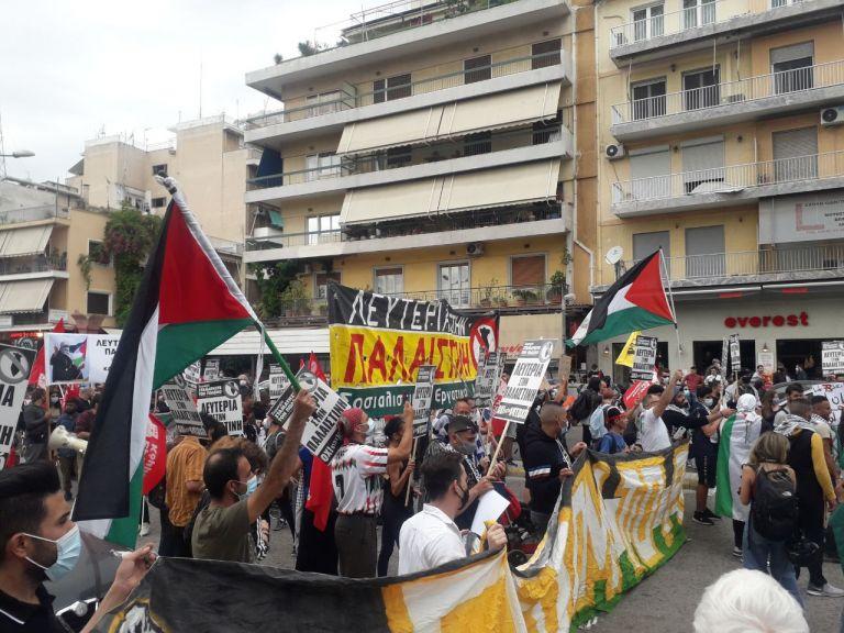 Ένταση έξω από την ισραηλινή πρεσβεία – Πορεία υπέρ των Παλαιστινίων   tanea.gr