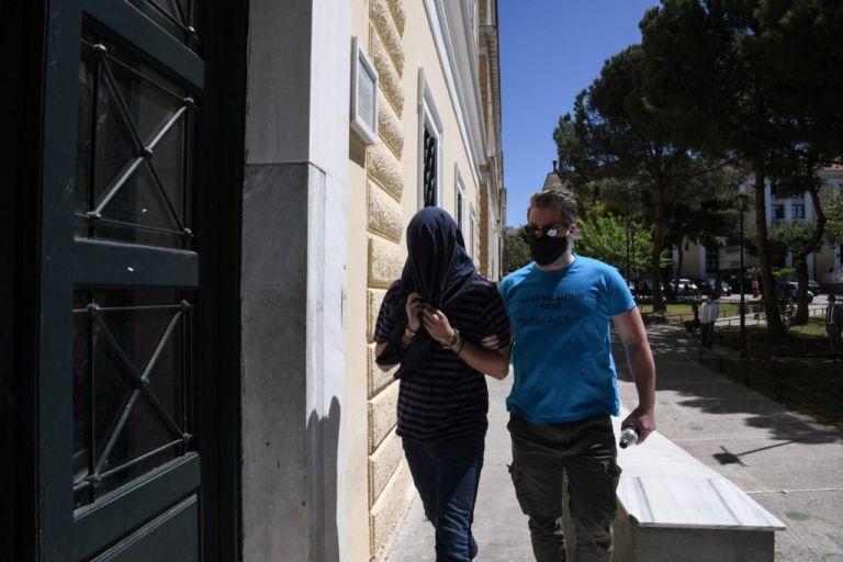 Νέα Σμύρνη: Νέο βίντεο – ντοκουμέντο «καίει» τον 22χρονο για τις επιθέσεις σε γυναίκες   tanea.gr